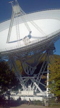 Das Radioteleskop Effelsberg Effelsberg ist eines der größten der Welt