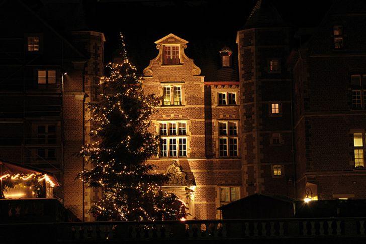 Weihnachtsmarkt auf Schloss Merode bei Langerwehe © Foto Schloss Merode
