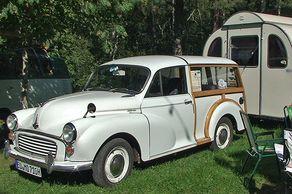 ZeitBlende – Museumsfest im Freilichtmuseum Kommern – Morris mit Wohnwagen