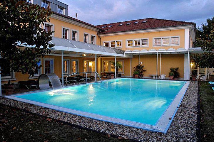 Kerpen – Sauna Hof Hahn – Schwimmbad