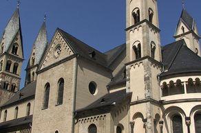 Koblenz – Kastorkirche – Blick auf die romanischen Architektur