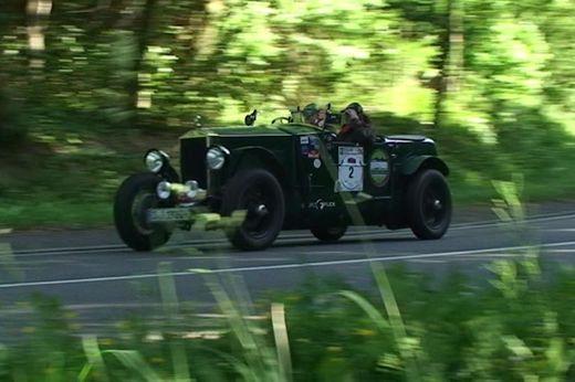 Eifel-Classic - Bugatti Type 30 in voller Fahrt bei Bad Münstereifel