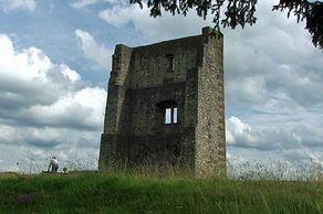 Burg Schönecken – Reste des Wohnhauses