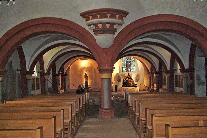 Kloster Sankt Thomas an der Kyll – Innenraum der Kirche mit Nonnenempore