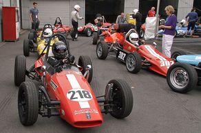 Formel V – im Vordergrund mit der Nr. 218 eine Wagen der Marke Austro-Vau