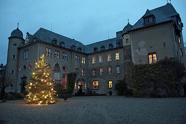 Weihnachtsmarkt auf Burg Namedy bei Andernach © Foto Burg Namedy