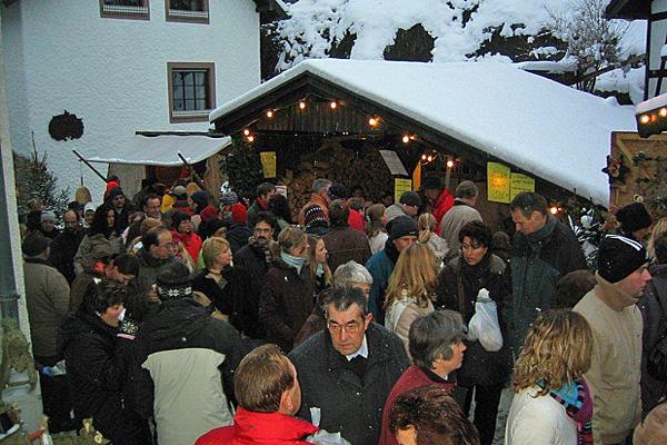 Weihnachtsmarkt in Kronenburg / Eifel  © Foto IG Kronenburg