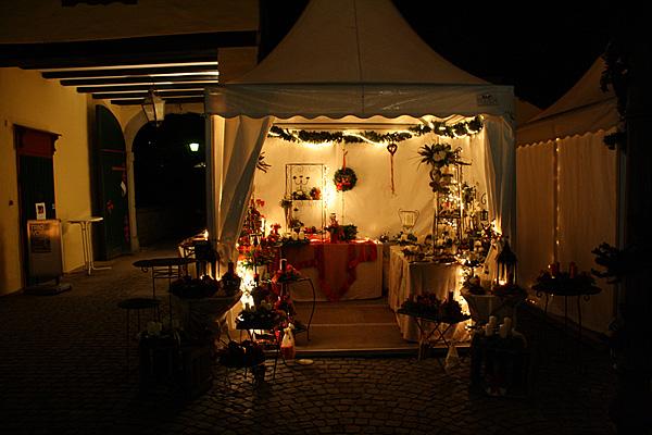 Weihnachtsmarkt auf Schloss Eulenbroich in Rösrath © Foto Schloss Eulenbroich